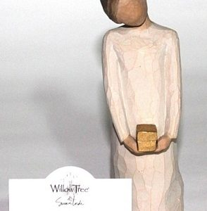 Willow Tree Figurine – Spirit of Giving