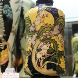 Moorcroft – Honey Possums Vase