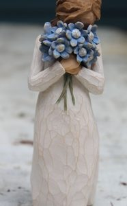 Forget-Me-Not Figurine – 13cm Willow Tree