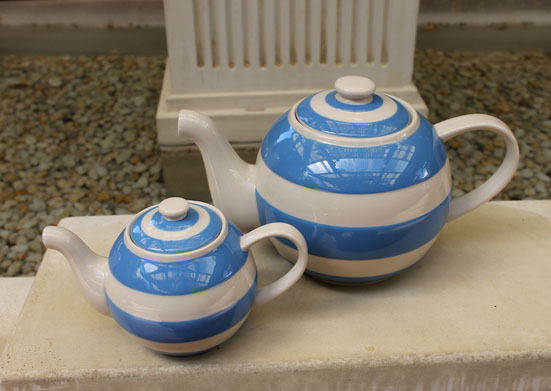 Cornishware Round 'Betty' Teapot - Small One Cup Blue/White