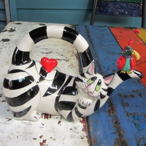 Black & White Cat Teapot – Lying