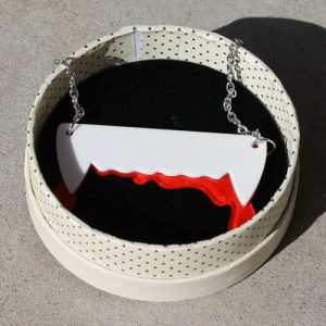 Erstwilder Necklace – Vampire's Kiss