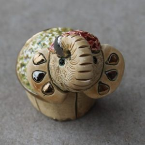 Rinconada – Elephant Miniature with green & red M15