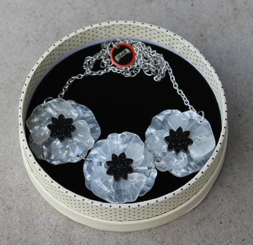 Erstwilder Necklace - Poppy Field - White