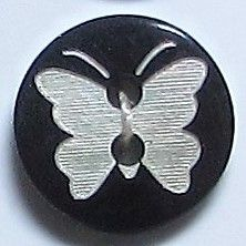 Natural Pearl Shell with Engraved Butterfly x 6 buttons