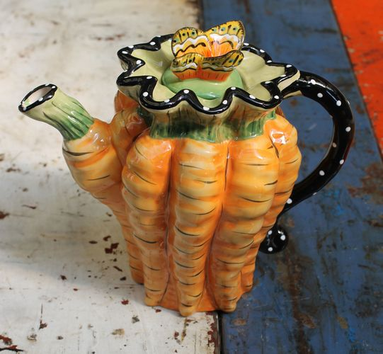 Carrot Bunch Teapot