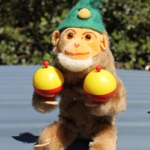 Monkey with Maracas Wind Up Toy – vintage