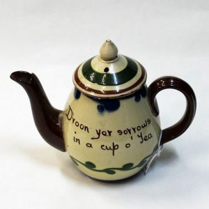 Torquay Ware Teapot – One Cup