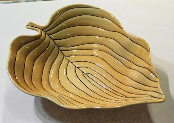 morpeth antique centre hunter valley carlton ware leaf dish pin stripe