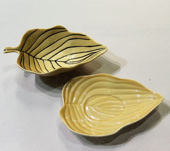 morpeth antique centre hunter valley carlton ware sauce gravy boat stand leaf pin stripe