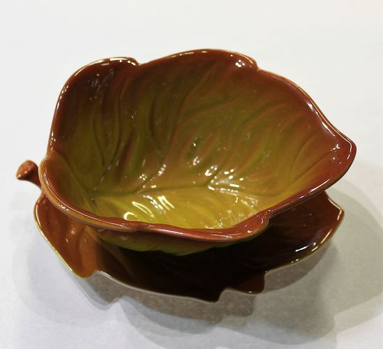 morpeth antique centre hunter valley carlton ware amber gold sauce gravy boat stand leaf