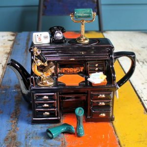 Teapot – James Herriot's Desk