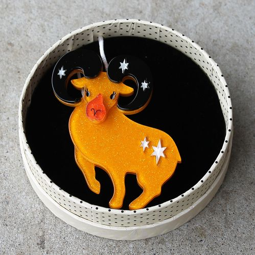 morpeth antique centre hunter valley erstwilder brooch aries the achiever ram sheep horoscope star sign fortune luck pin up old technology vintage retro