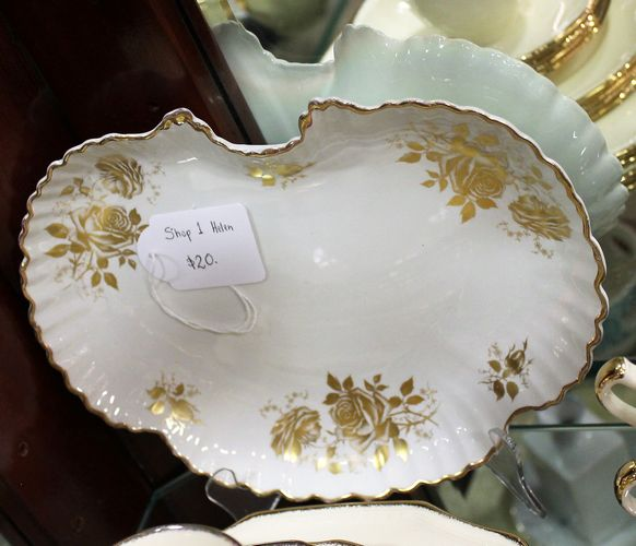 morpeth antique centre hunter valley old foley serving plate roses gold gilded england