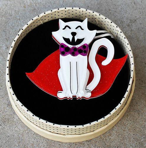morpeth antique centre hunter valley erstwilder brooch necklace count von kitty dracula cat a haunting we will go halloween fright night spooky 31st october retro pin up collectable