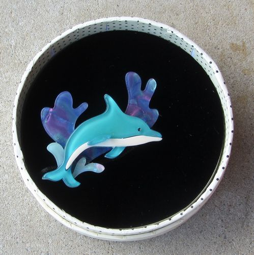 morpeth antique centre hunter valley erstwilder brooch echo of the ocean dolphin retro pin up collectable