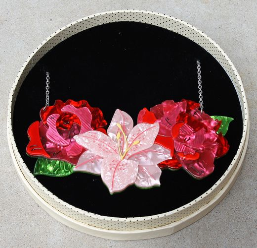 morpeth antique centre hunter valley erstwilder brooch necklace earrings in full bloom flower pot plant splendour resin retro collectable