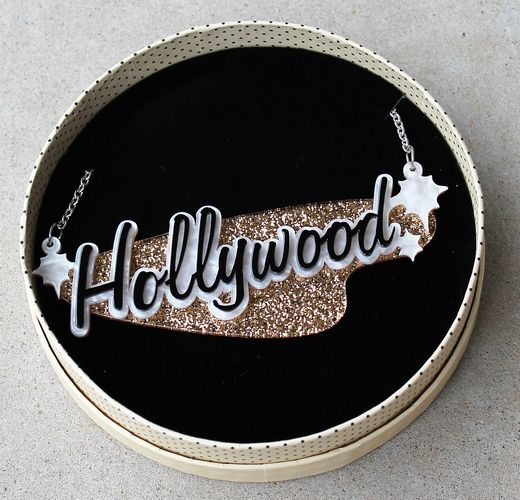 morpeth antique centre hunter valley erstwilder brooch necklace earrings hollywood glamour tinsel town hollywood sign cinema theatre movies retro pin up collectable