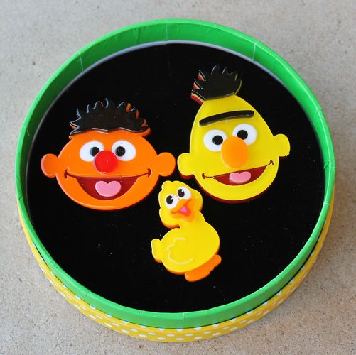 morpeth antique centre hunter valley erstwilder brooch earrings necklace bert ernie big bird elmo sesame street fifty 50 year anniversary birthday muppets television children abc jim henson retro pinup collectable