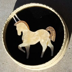 Erstwilder Brooch – Friesian of Fancy (Horse)