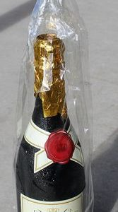 morpeth gift gallery champagne sparkling wine brut party popper weddings parties anything new years eve celebration