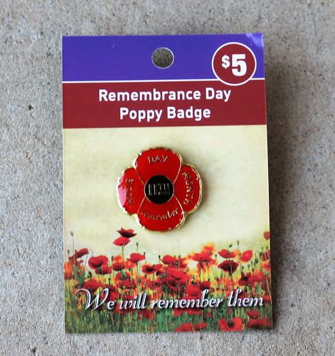 morpeth gift gallery antique centre hunter valley red poppy 11th day remembrance badge brooch pin WWI WWII world war one two ANZAC