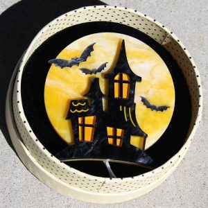 Erstwilder Brooch – On Haunted Hill (House)