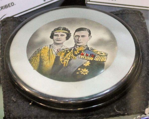 morpeth antique centre hunter valley shop 35 ambleside antiques 1937 vintage powder compact king george vi queen elizabeth mother coronation souvenier