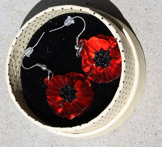 morpeth antique centre hunter valley erstwilder necklace brooch earrings a fuller bloom flower collection poppy field red remembrance flander's collectable pin up retro