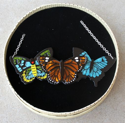 morpeth antique centre hunter valley old technology erstwilder kaleidoscope of colour trio insects bugs butterflies butterfly brooch necklace earrings retro collectable pin up