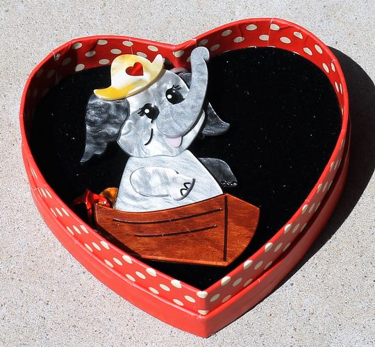 morpeth antique centre hunter valley erstwilder brooch earrings necklace love boat elephant valentines day 14th february love red roses heart gift sweet retro pinup collectable