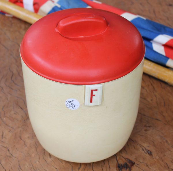 morpeth antique centre hunter valley nylex early plastic bakelite kitchen canister set vintage retro 1960's australian made melbourne