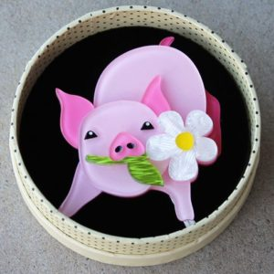 Erstwilder Brooch – Wilbur the Wonder Pig