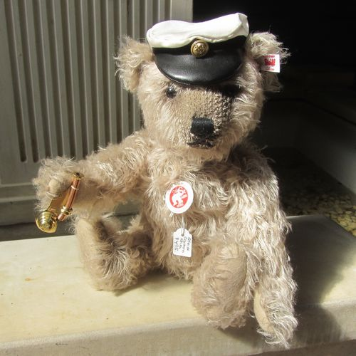Morpeth Teddy Bears Steiff limited edition Hunter Valley Australia Captain Keith
