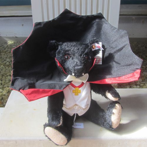 Morpeth Teddy Bears Steiff limited edition Hunter Valley Australia Dracula mohair