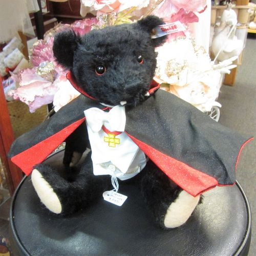 morpeth teddy bears hunter valley Steiff mohair Dracula