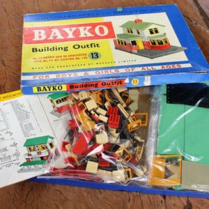 Bayko No.13 Building Outfit