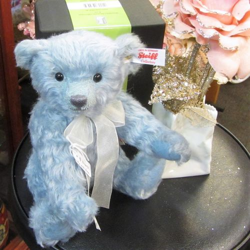 morpeth teddy bears hunter valley Steiff mohair Lily with Rosenthal vase