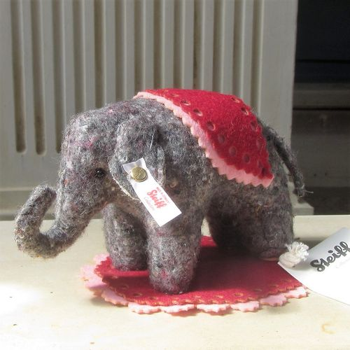 morpeth teddy bears hunter valley Steiff elephant pin cushion