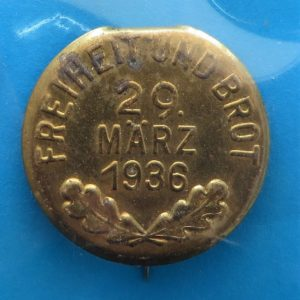morpeth antique centre hunter valley third reich german world war two winter charity relief badge freedom bread propaganda WHW