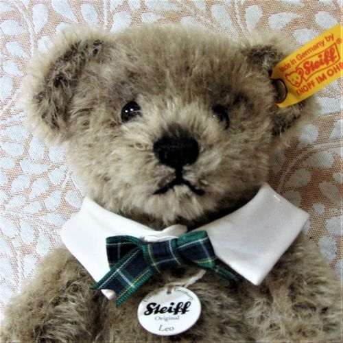 morpeth teddy bears hunter valley Steiff open edition Leo face