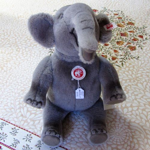 morpeth teddy bears hunter valley Steiff limited edition Nellie elephant
