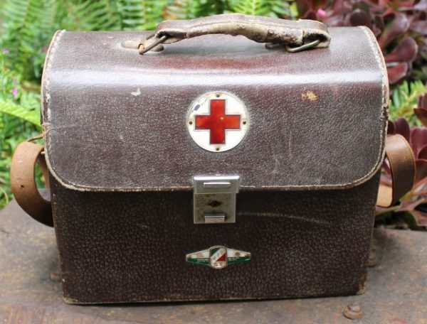 morpeth antique centre hunter valley japanese WWII world war two era first aid bag